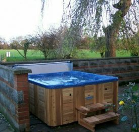 Hot Tub with insulated cover