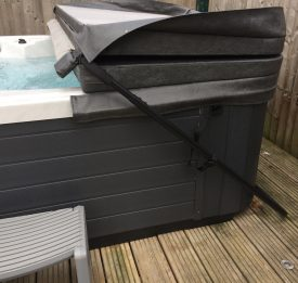 Stylish hot tub cover with cover lifter