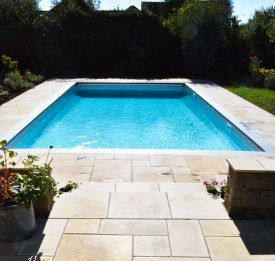 New build pool installation in Bedfordshire