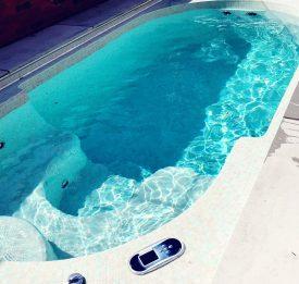 Refurbishment of swimspa