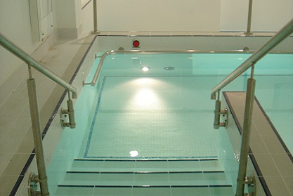 Commercial Hydrotherapy Pool installation company Bedfordshire