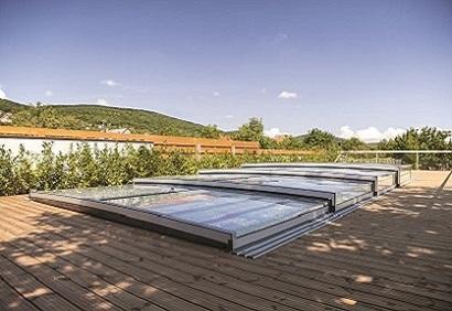 Low rise pool enclosure installer