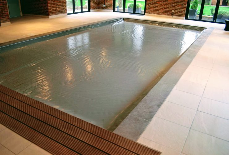 Pool cover company bedfordshire