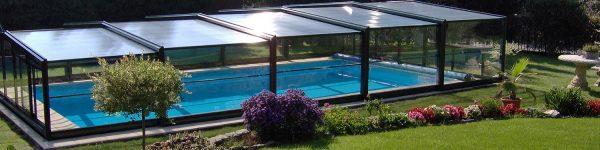 Telescopic pool enclosure