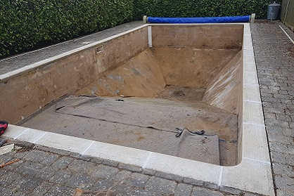 Pool Liner replacement company Bedfordshire