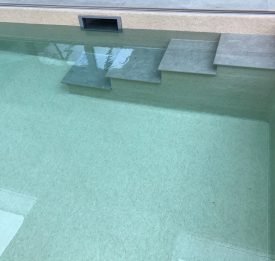 Tiled steps in liner pool